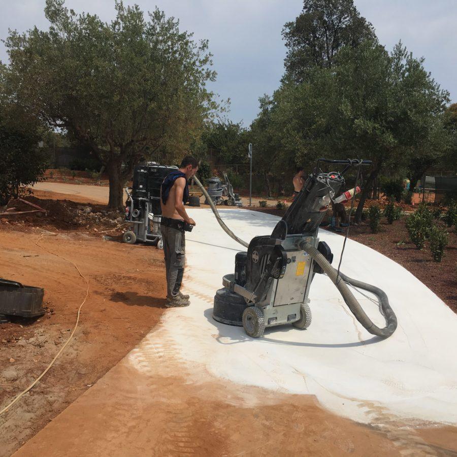 Brušenje betona na pohodnih poteh