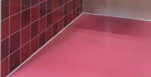 Poliuretanski tlak v sanitarnih celicah za švicarskega investitorja