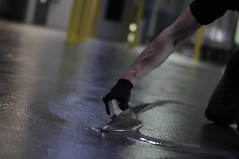 Epoksi temeljni premaz priprava betonskega tlaka